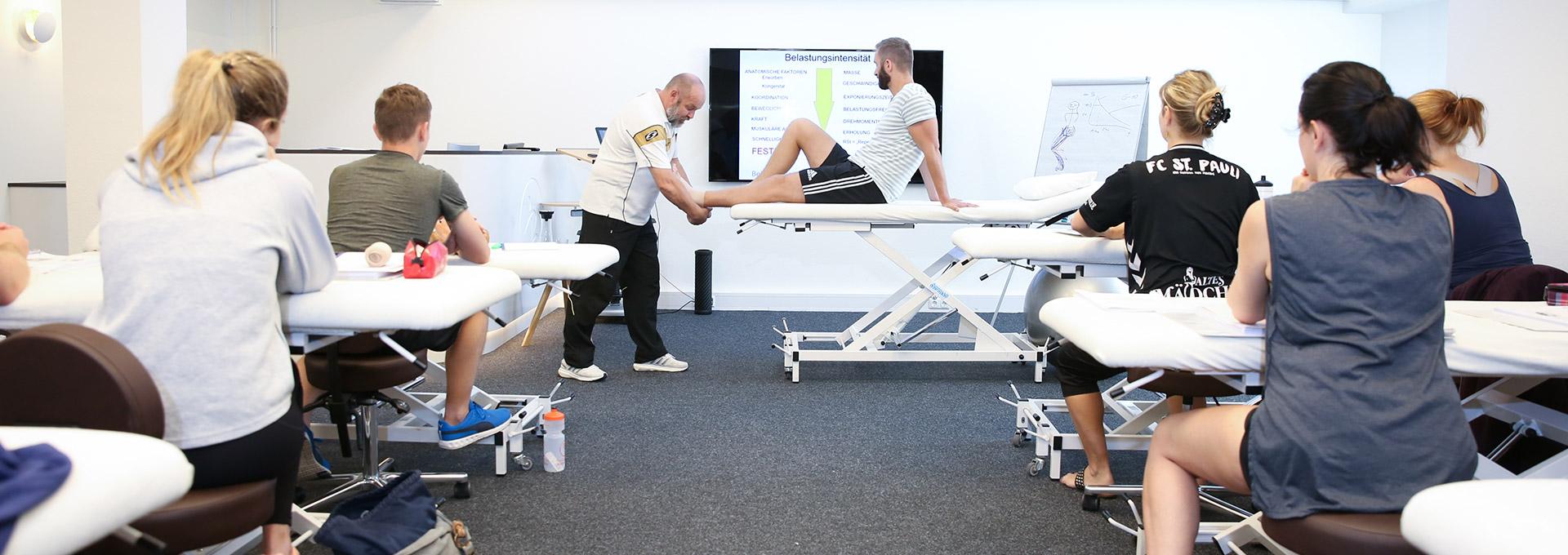 1920x680 6830 Akademie Physiotherapie Schueler