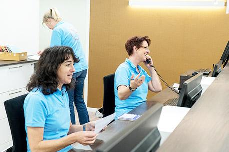 457x305 Empfang Telefon Therapiezentrum